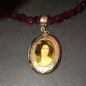 Jewelry - Vintage Garnet Choker with Locket